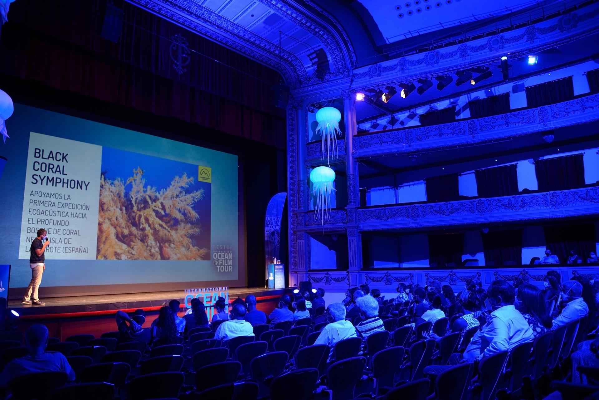 La magia de los bosques submarinos de coral negro de Lanzarote en el prestigioso festival International Ocean Film Tour